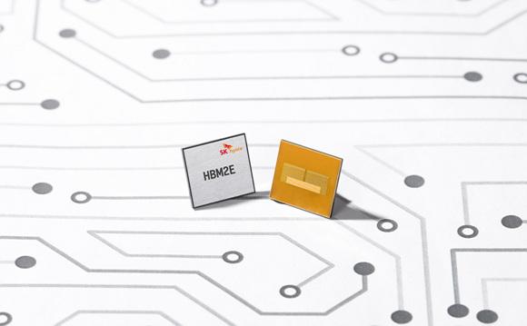 SK하이닉스가 개발한 업계 최고속 HBM2E D램(1).jpg