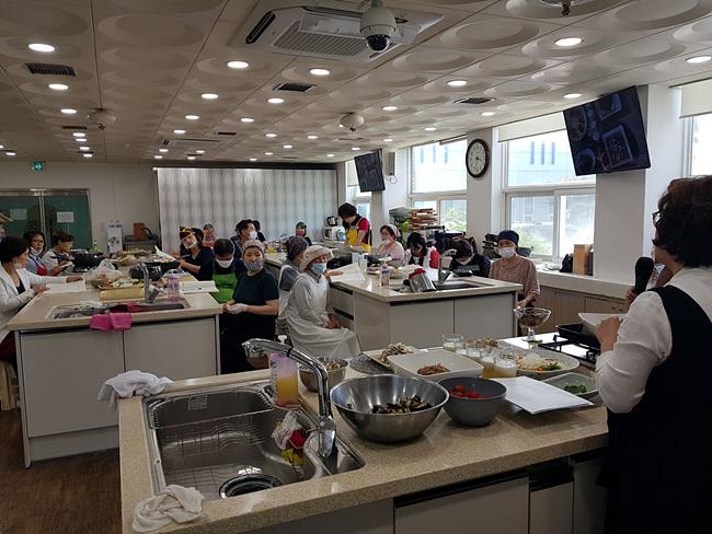 02-1 들깨를 이용한 음식만들기 실습사진.jpg