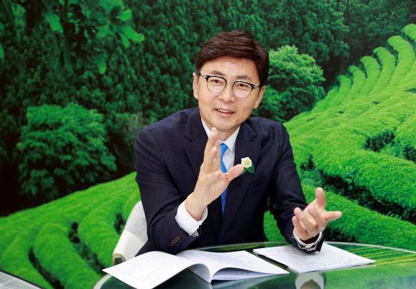 보성군수 김철우 인터뷰사진 (4).JPG 축소.JPG